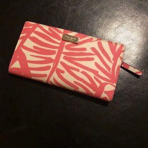 Kate Spade Cedar Street Stacey wallet!